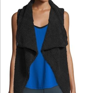 Alo Yoga Medium Black Cozy Up Vest